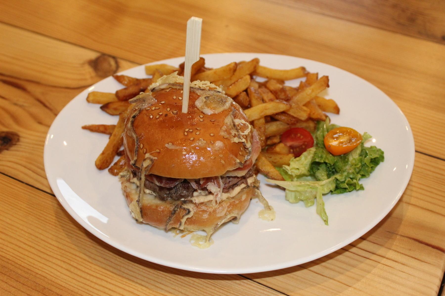 Burger ANDALOU (Indiquer la cuisson à la commande dans les commentaires)
